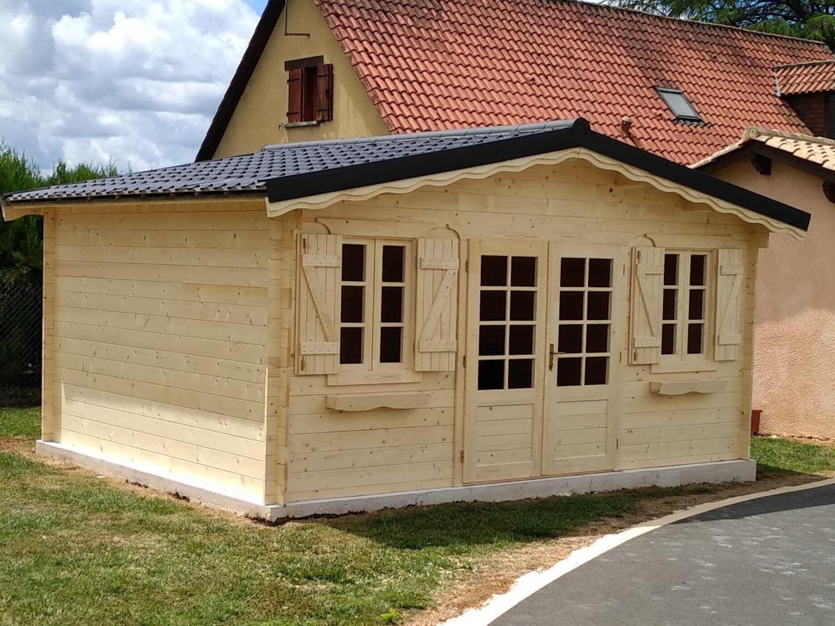 Abri de jardin en bois de 19,46 m² en 34 mm marin