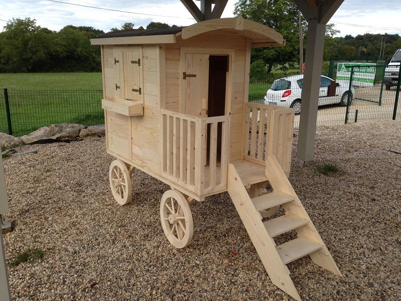 Roulotte en bois pour enfant - Construire maisonnette en bois ...